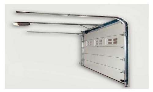 Фото: Автоматические гаражные ворота с калиткой