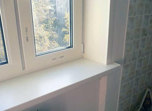 Отделка откосов пластиковых окон внутри жилой квартиры пластиком